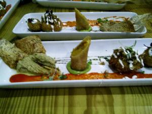Avocado-Hummus, Spring Roll y Croqueta