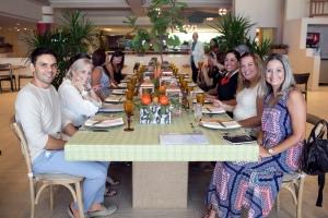 Courtyard Grupo de invitados al Chef Table