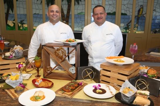 Chefs Woods y Mateo  Junto a sus Creaciones