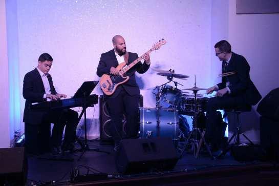 SJU Marriott Grupo Four Seeds- estudiantes del Conservatorio de Música de PR- Giovanni Rodríguez, Daniel Negrón y Edwin Colón